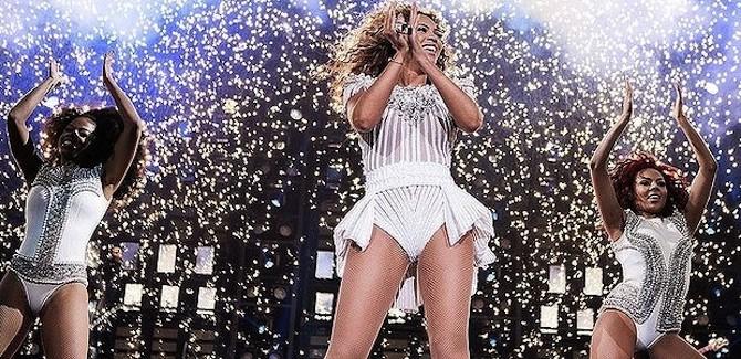 Beyoncé at the Brisbane Entertainment Centre
