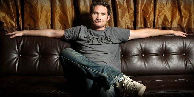 Dave Hughes, talking everyday banter on stage