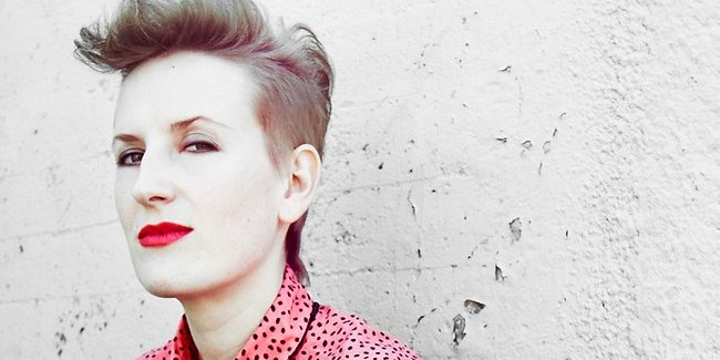 Review: Mia Dyson At The New Globe Theatre