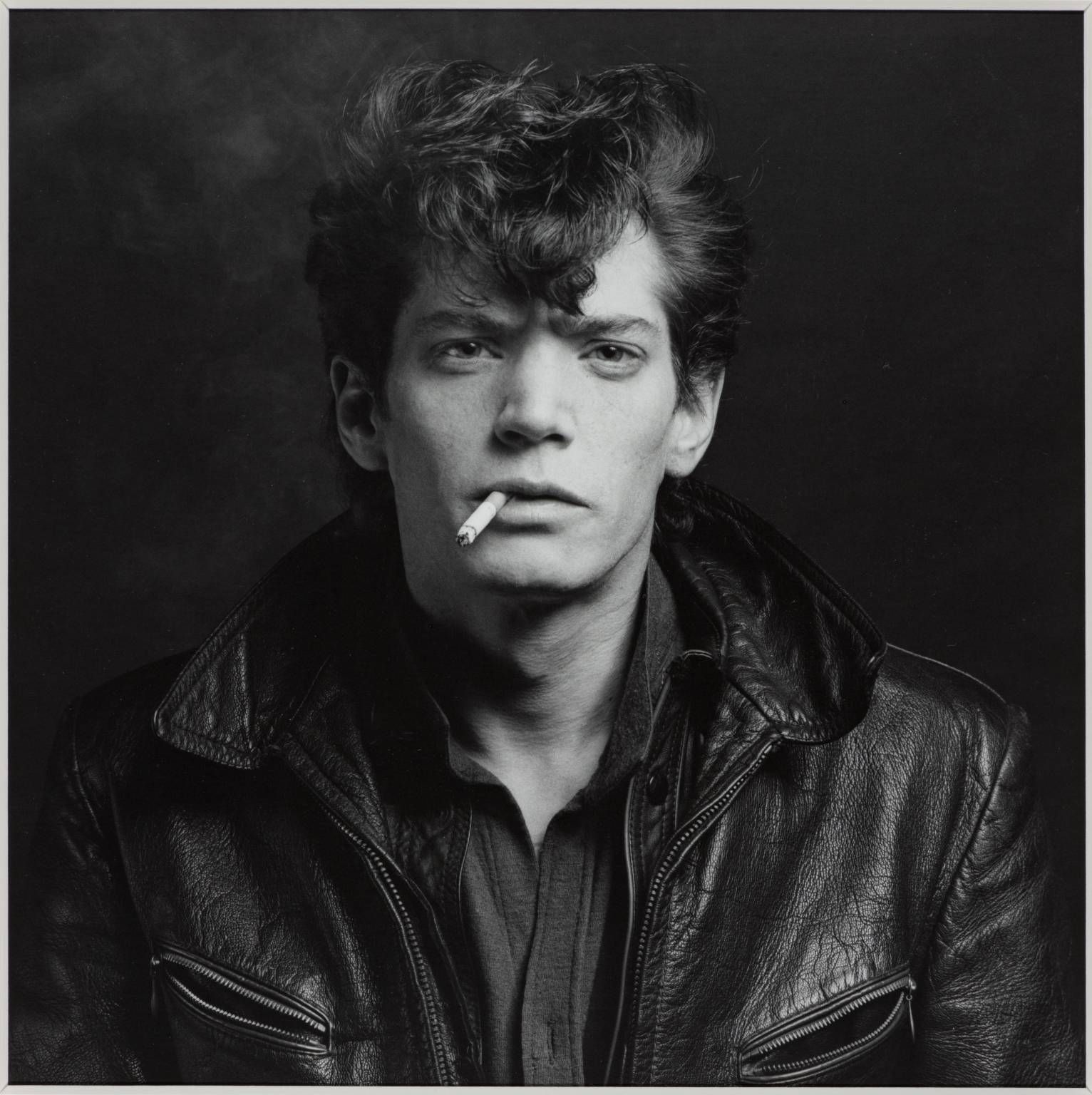 Self Portrait 1980 Robert Mapplethorpe 1946-1989 ARTIST ROOMS Acquired jointly with the National Galleries of Scotland through The d'Offay Donation with assistance from the National Heritage Memorial Fund and the Art Fund 2008 http://www.tate.org.uk/art/work/AR00225