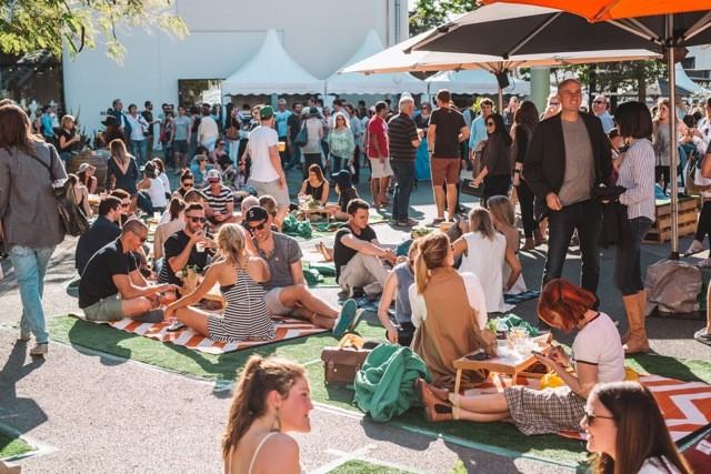 James St Food and Wine Crowd 2
