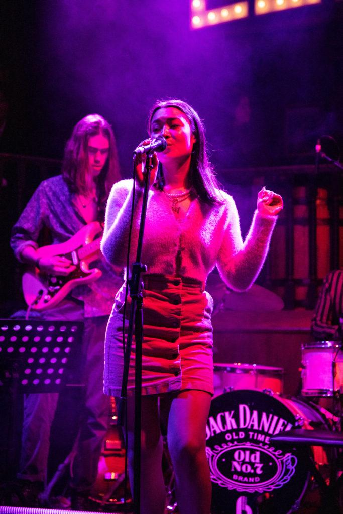 Charlotte Marnee performing